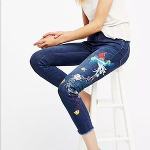 Free People Embroidered Bird Jean Size 28